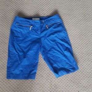 Cobalt blue Bermuda shorts zipper pocket